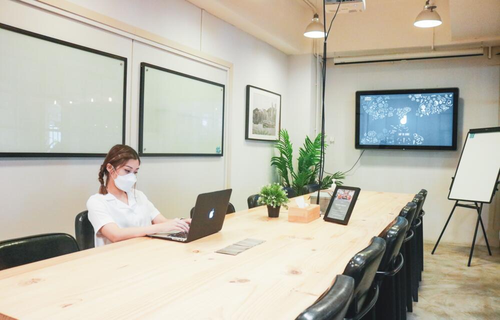 8/F Meeting Room